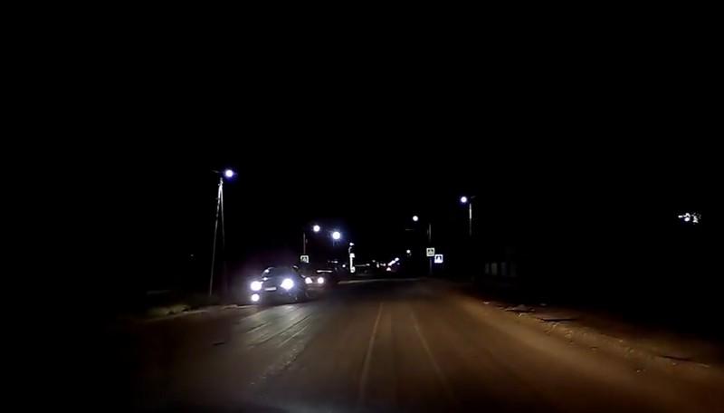 Поліцейські наздогнали водія, який мчав у бік Ужгорода. Після побаченого в машині вирішили допомогти