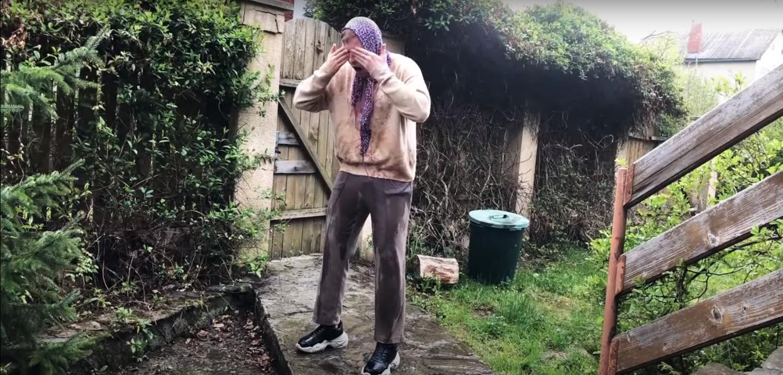 """""""Твої ся поливанки перетворять у мокруху"""": нове відео із життя відомої закарпатської пари"""