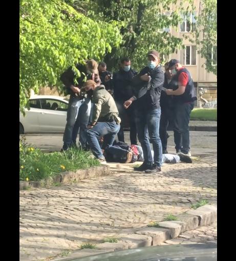 В Ужгороді затримали співробітника СБУ: з'явилося відео
