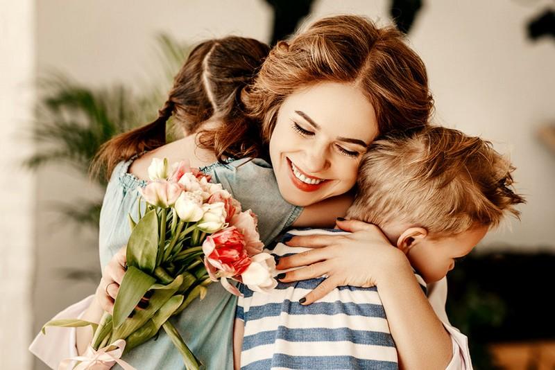 День матері 2021: привітання до Дня матері своїми словами