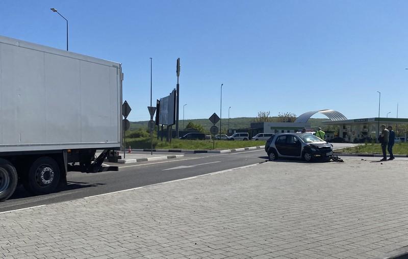 На в'їзді в Ужгород сталась аварія