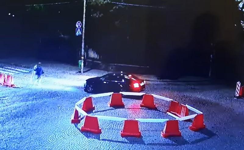 Фейсбук облетіло відео, яке вночі зняли у центрі Мукачева