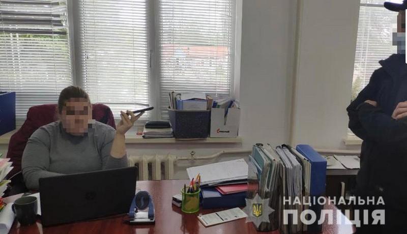 Закарпатську чиновницю підозрюють у службовій недбалості, яка заподіяла громаді багатомільйонні збитки