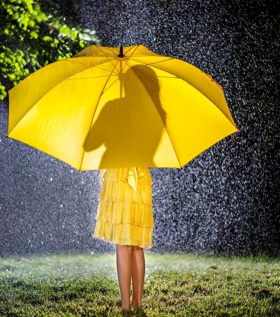 Короткочасні дощі та грози: синоптики дали прогноз на тиждень