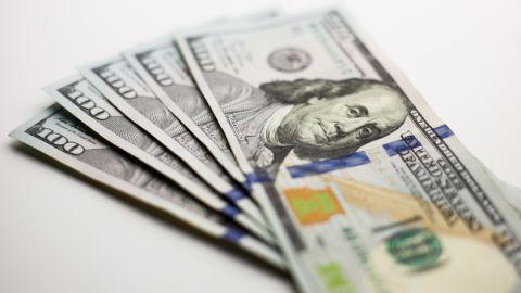 Курс долара та євро на 28 травня
