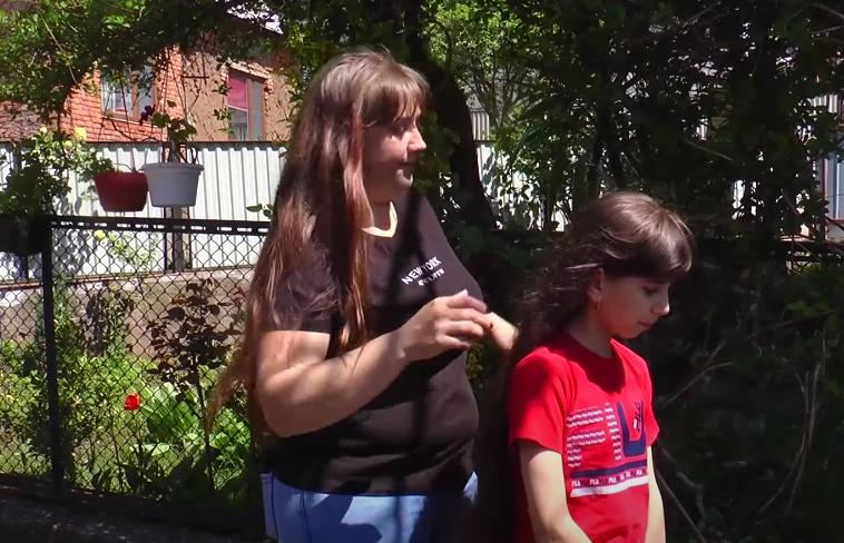 Українська Рапунцель: на Закарпаттіі живе дівчинка із волоссям  довжиною майже метр