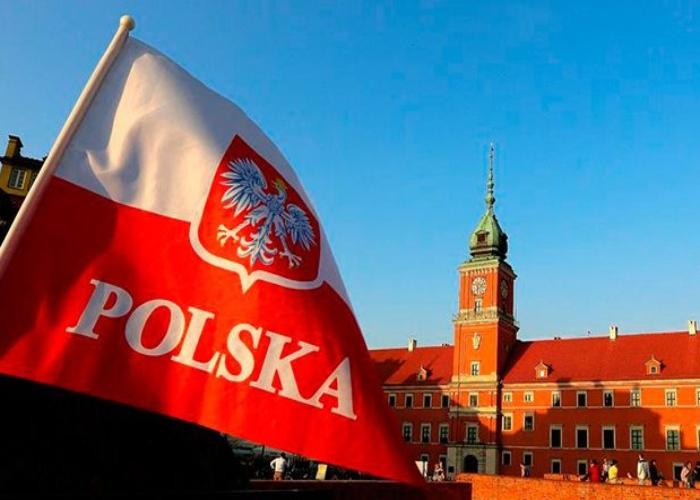 Робота в Польщі стане доступнішою: країна полегшить працевлаштування заробітчан