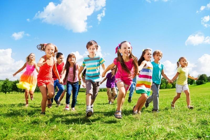 У Мукачеві сьогодні влаштовують свято для діток