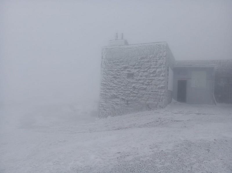 У горах в перший день літа сніг та мороз