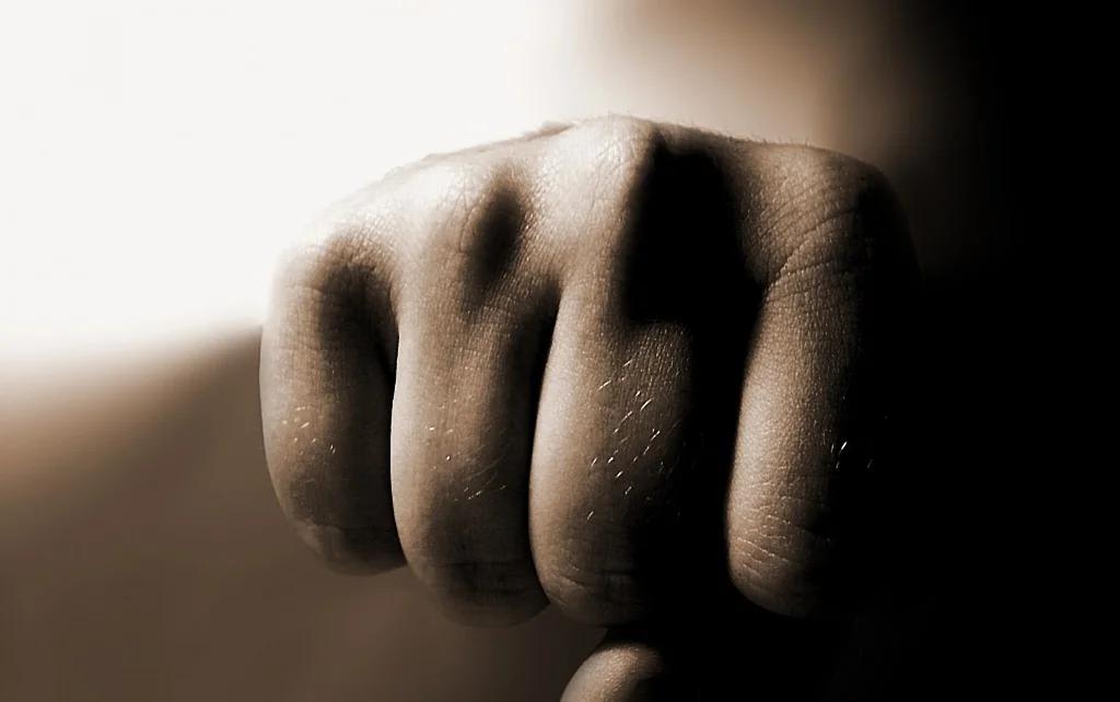 На Закарпатті адвокат вдарив у суді свого колегу
