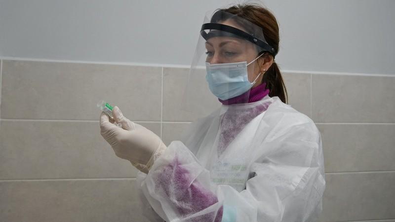 Третину педагогічних працівників Мукачівської ТГ щепили від коронавірусу