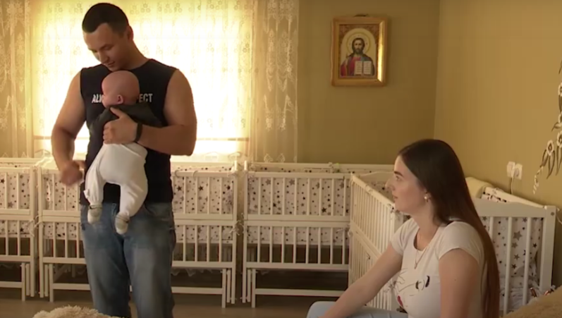 Закарпатській четвірні виповнилось 5 місяців: як зараз виглядають малюки