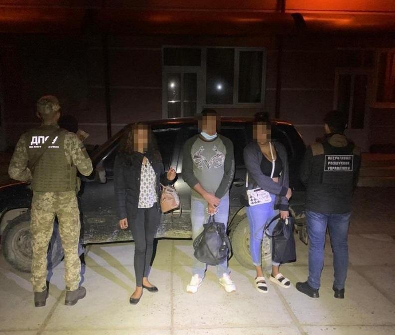 Нелегалів із Домінікани й Іспанії затримали біля кордону з Угорщиною