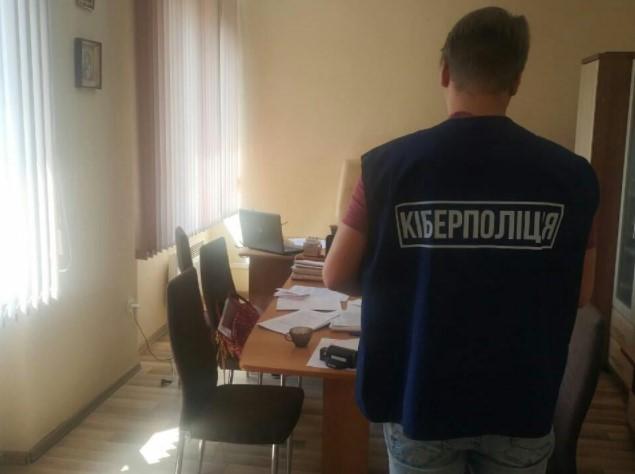 Працівницю управління соцзахисту спіймали на привласненні понад 100 тисяч гривень
