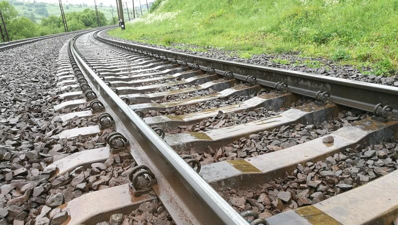 Смерть на залізниці: пасажирський потяг переїхав жінку