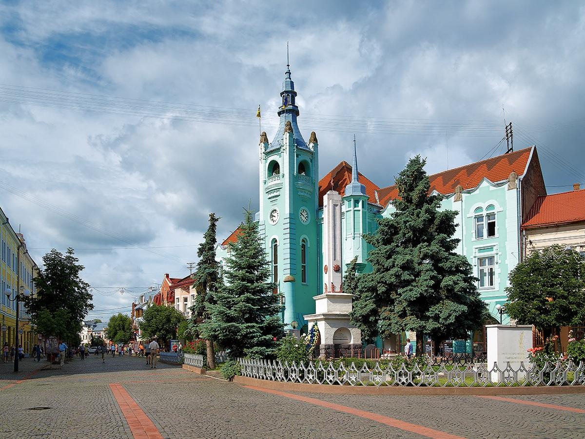 Фасади в історичному центрі міста Мукачева відновлять