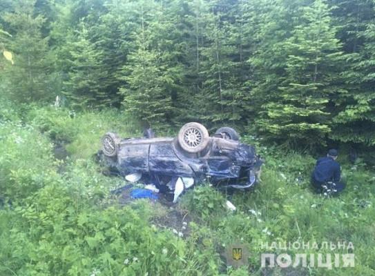 Водія відкинуло на кілька метрів: з'явились фото з місця жахливої ДТП