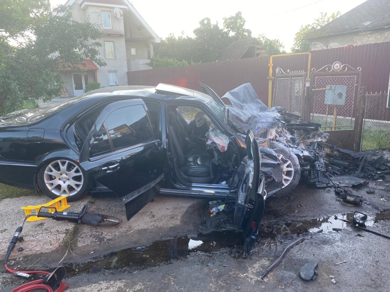 Моторошна аварія на Закарпатті: одна людина загинула, ще двоє – у реанімації