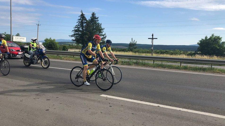 З Ужгорода стартував Всеукраїнський велопробіг ветеранів війни