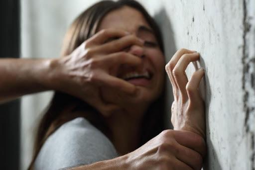 Хлопець зґвалтував неповнолітню дівчину. Його засудили до 10 років