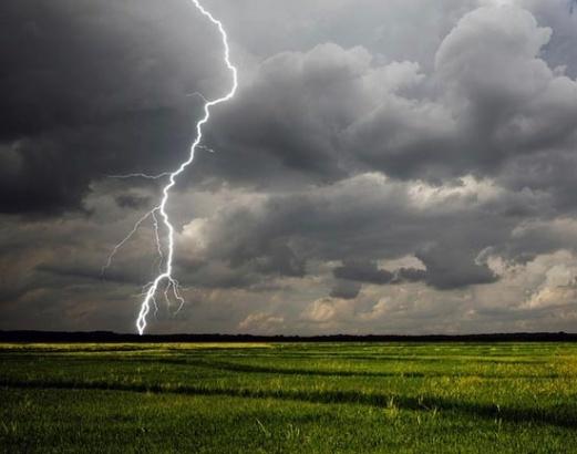 Сьогодні Закарпатську область накриють грози і зливи