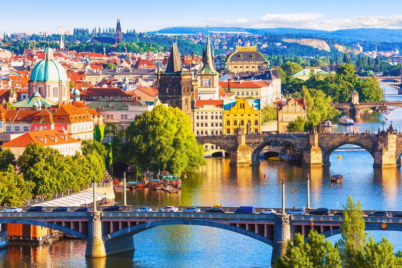 У Чехії достроково послабили карантин