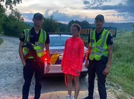 Вийшла прогулятись і не повернулась: поліцейські розповіли про випадок у селі