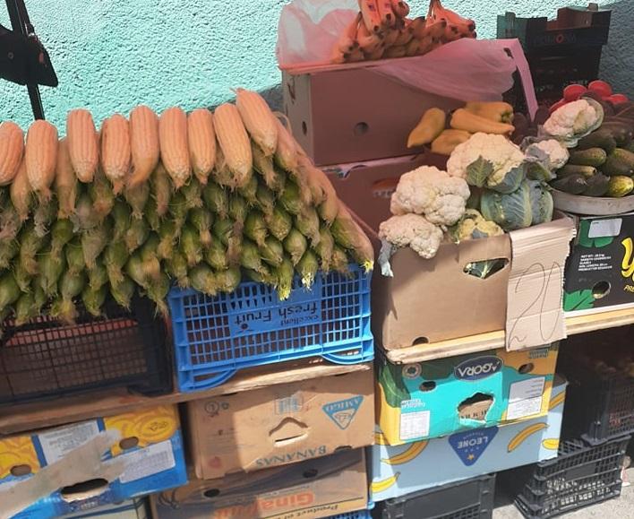 На ринку у Мукачеві вже продають свіжу кукурудзу: яка ціна