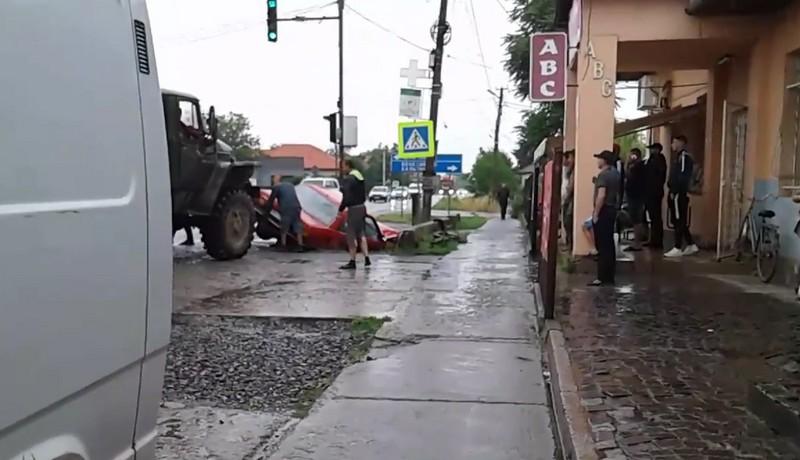 У Ракошині трапилась аварія. Опубліковано відео