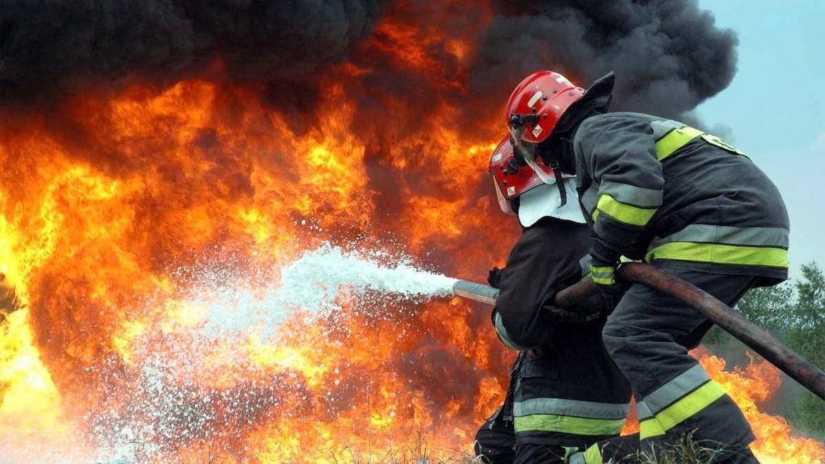 Масштабна пожежа на Закарпатті: горіли відразу п'ять будівель