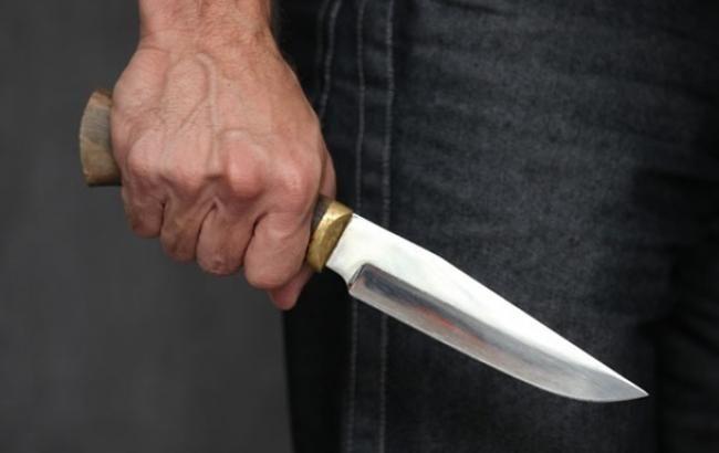 На Мукачівщині чоловік вдарив іншого ножем у живіт