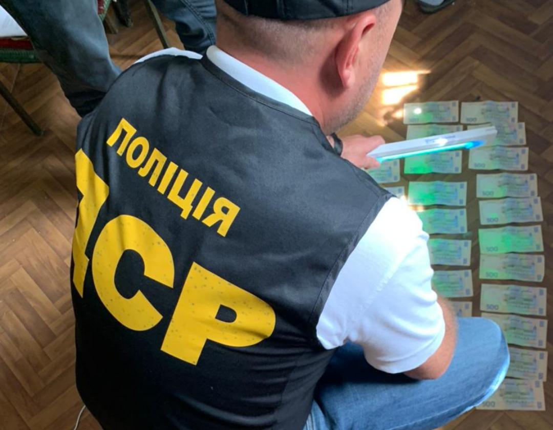 Директора комунального підприємства викрито на хабарі