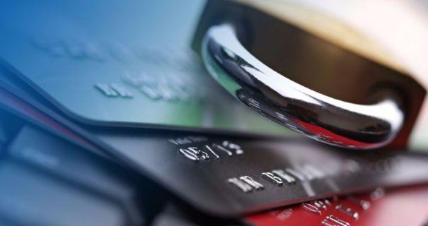 Автоматичне списання боргів із рахунків: роз'яснення ПриватБанку