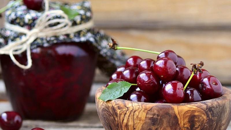 Як правильно приготувати ідеальне вишневе варення
