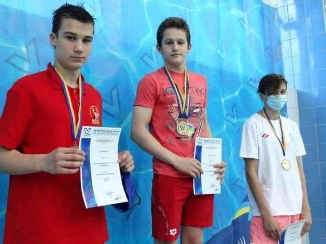 Закарпатські плавці підкорили всеукраїнські змагання