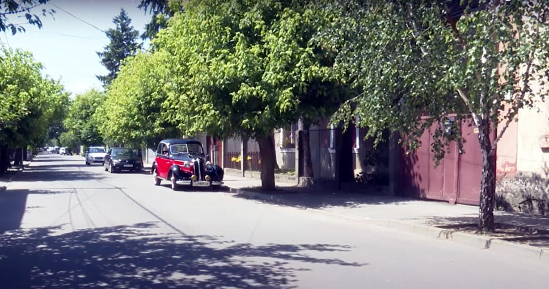Вулицями Берегова їздить унікальний автомобіль