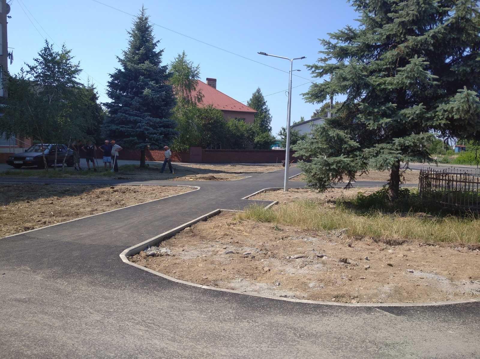 У мікрорайоні Підгоряни в Мукачеві облаштовують новий сквер