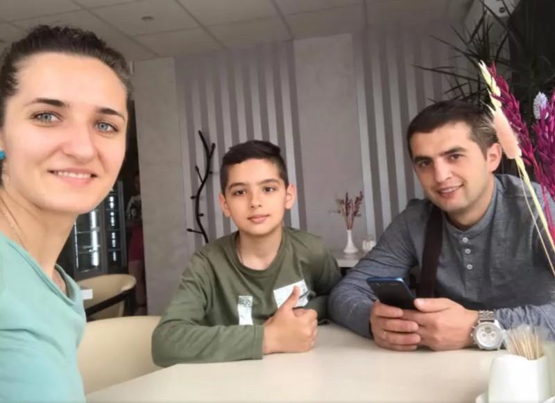 Опубліковано фото сім'ї із Закарпаття, яка потрапила у моторошну ДТП за кордоном