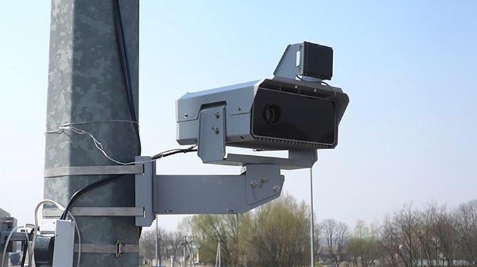 На трьох вулицях Мукачева та у двох селах громади встановлять камери фіксації порушень швидкісного режиму: перелік
