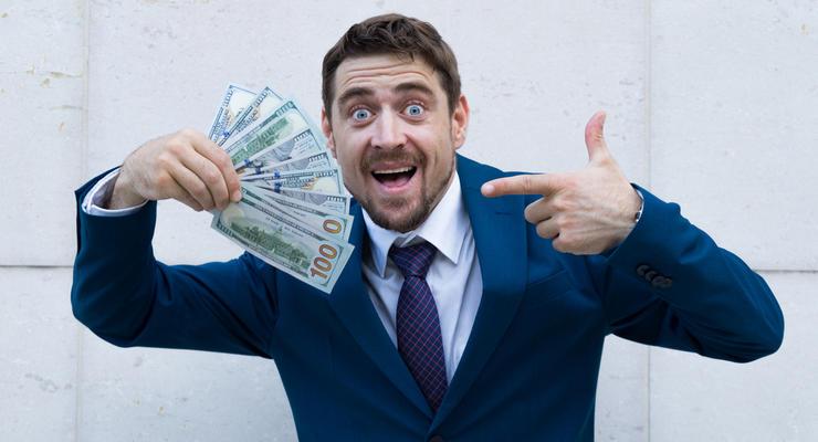 Вперше в історії середня зарплата українців перевищила 500 доларів