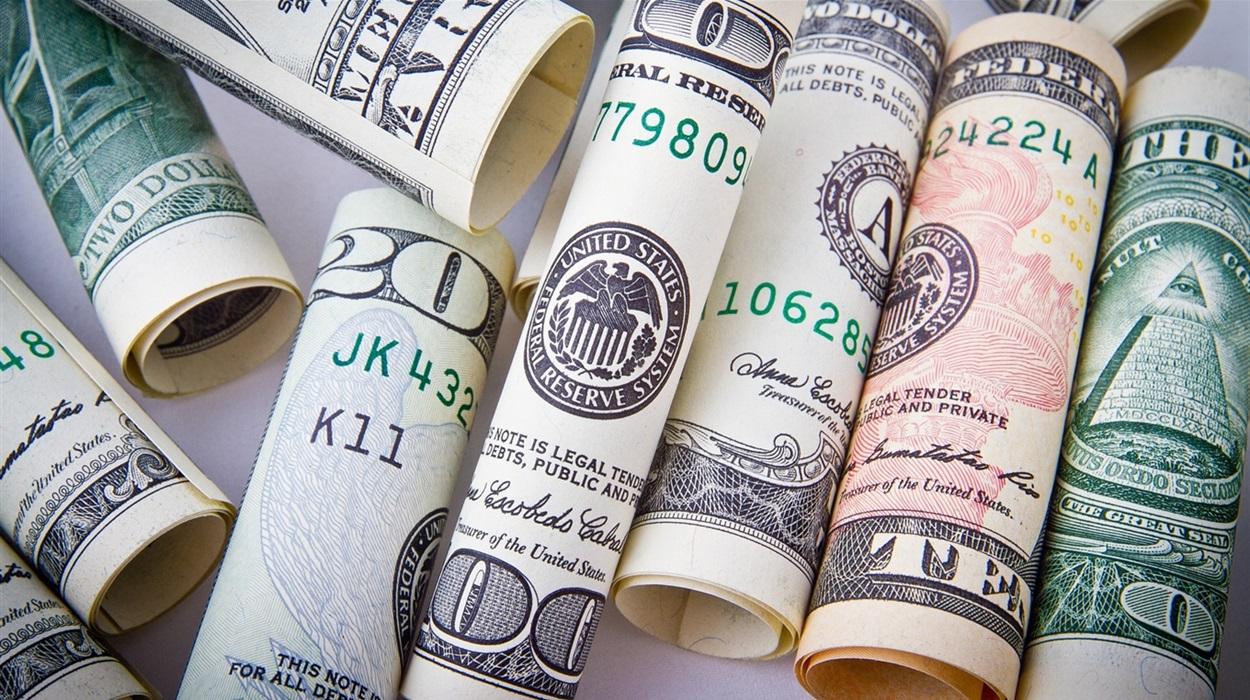 Курс долара розвернувся: скільки коштують долар та євро 5 серпня
