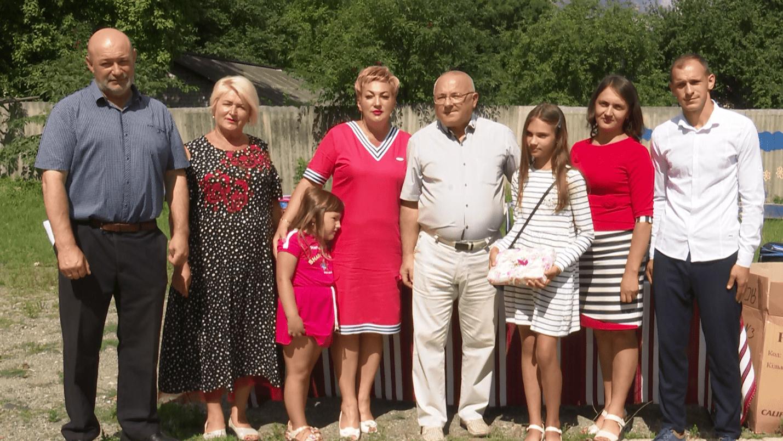 За дорученням народного депутата Василя Петьовки Тетяну Тулайдан нагородили цінним подарунком
