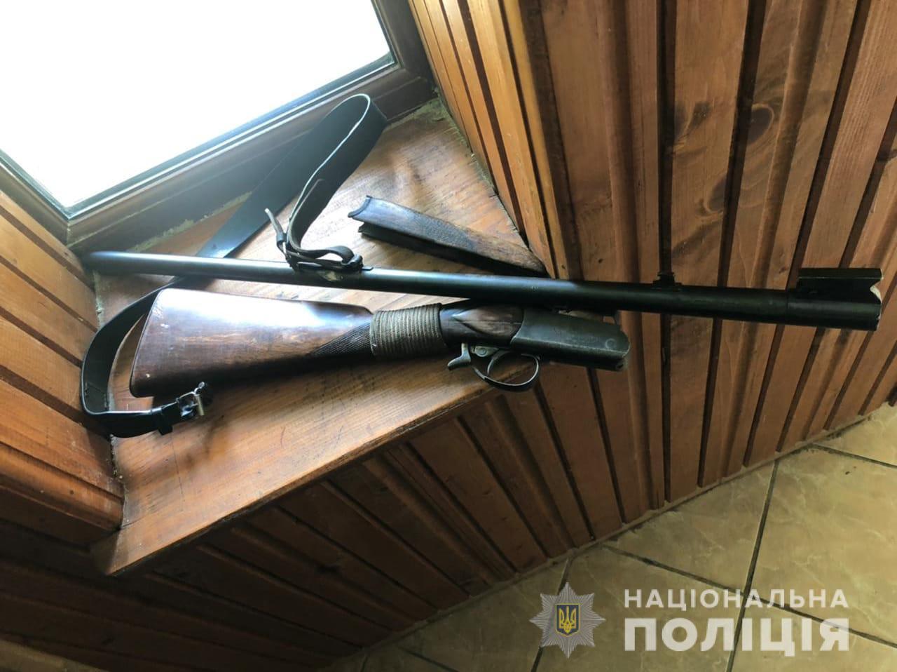 Стрілянина на Мукачівщині: перед цим чоловік влаштував ДТП