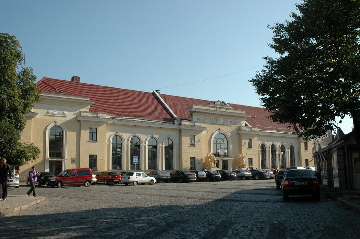 Ремонт Привокзальної площі у Мукачеві: розпочинаються підготовчі роботи