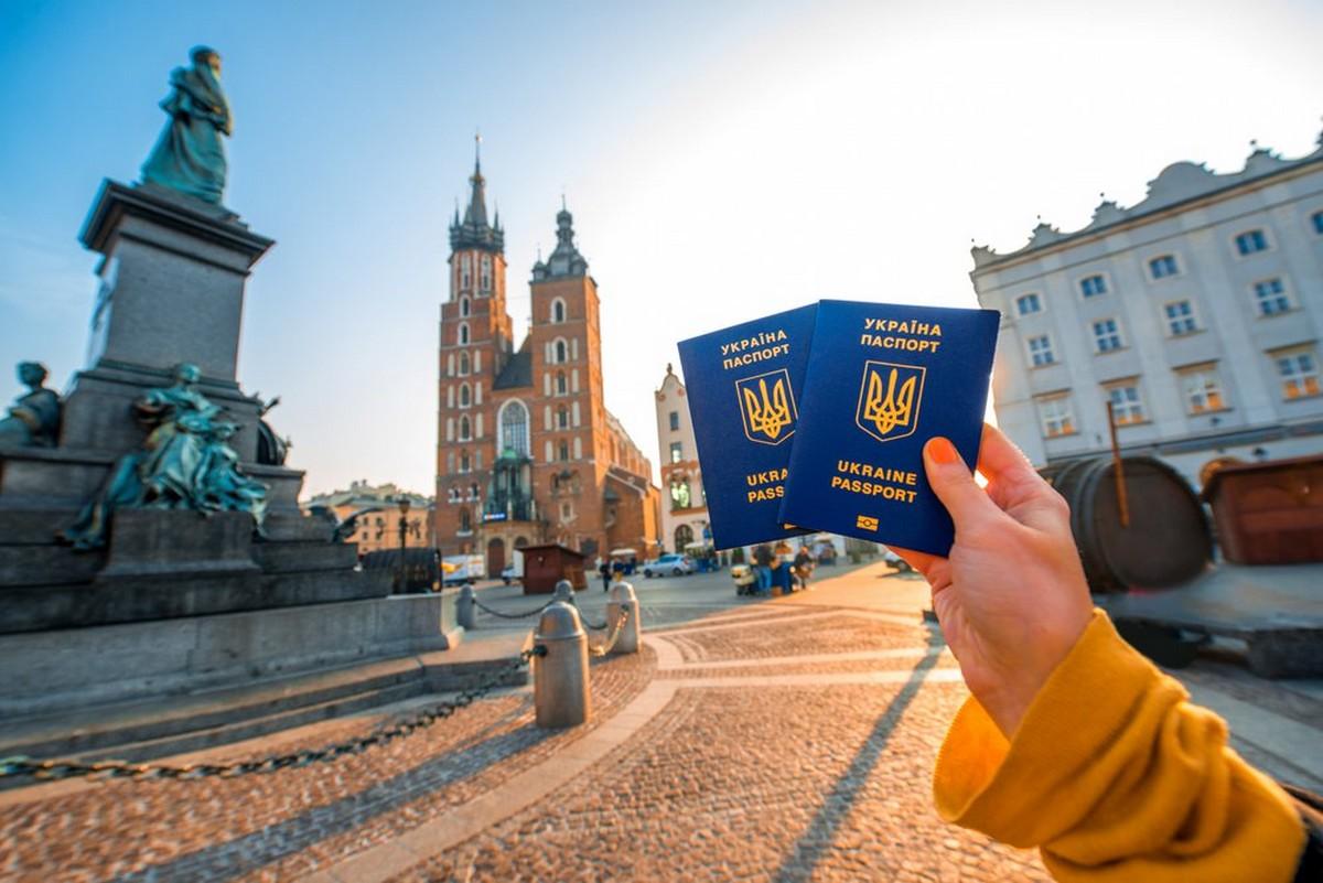 Українці зможуть подорожувати без обмежень: опубліковано радісну новину