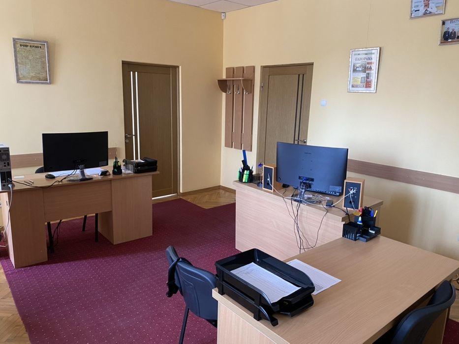 У Мукачеві можна орендувати приміщення із панорамним видом на центральну площу міста: фото та ціна