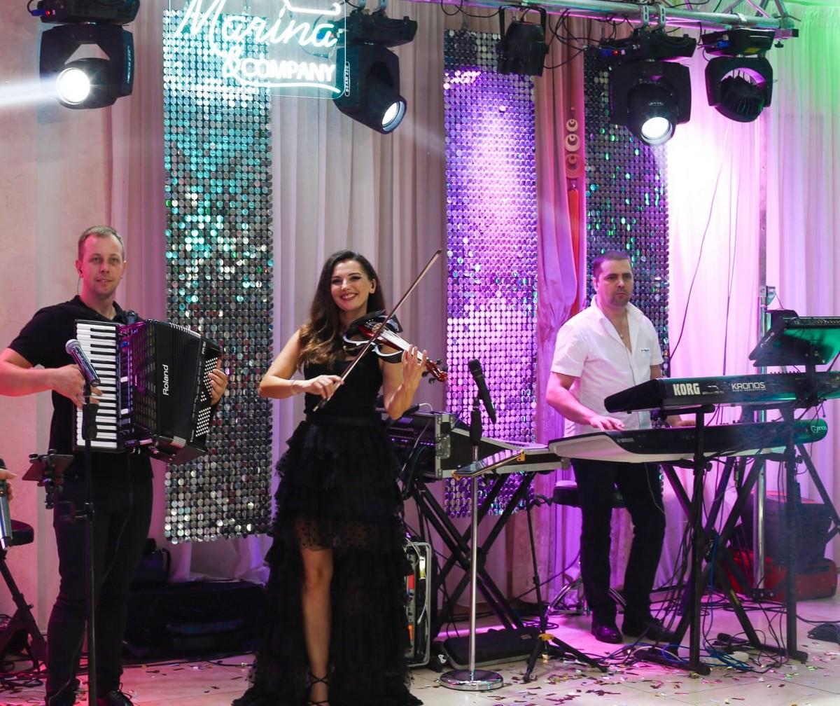 """Сьогодні в Мукачеві виступатиме """"Марина і компанія"""""""