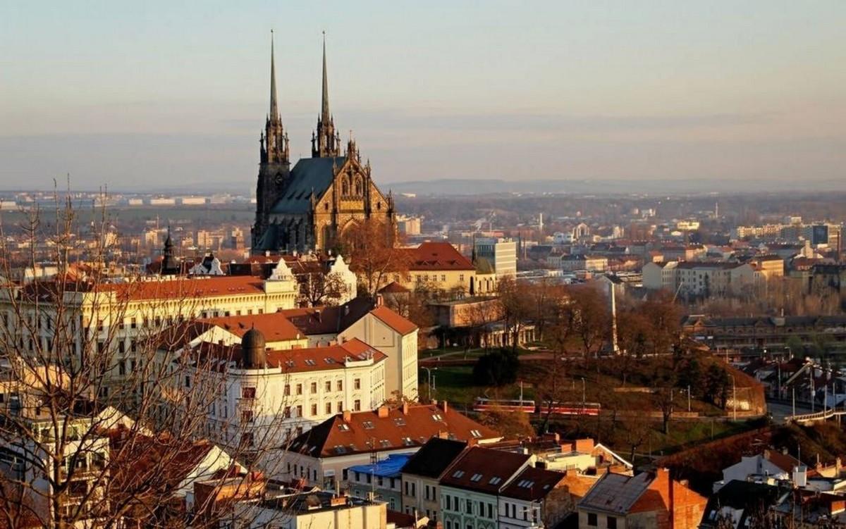 Чехія відкриває кордони: оприлюднено приємну новину для українців