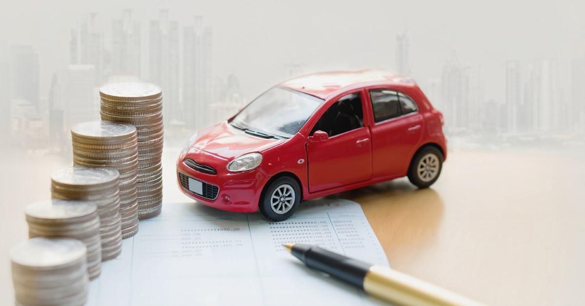 Українці повинні заплатити податки на машини