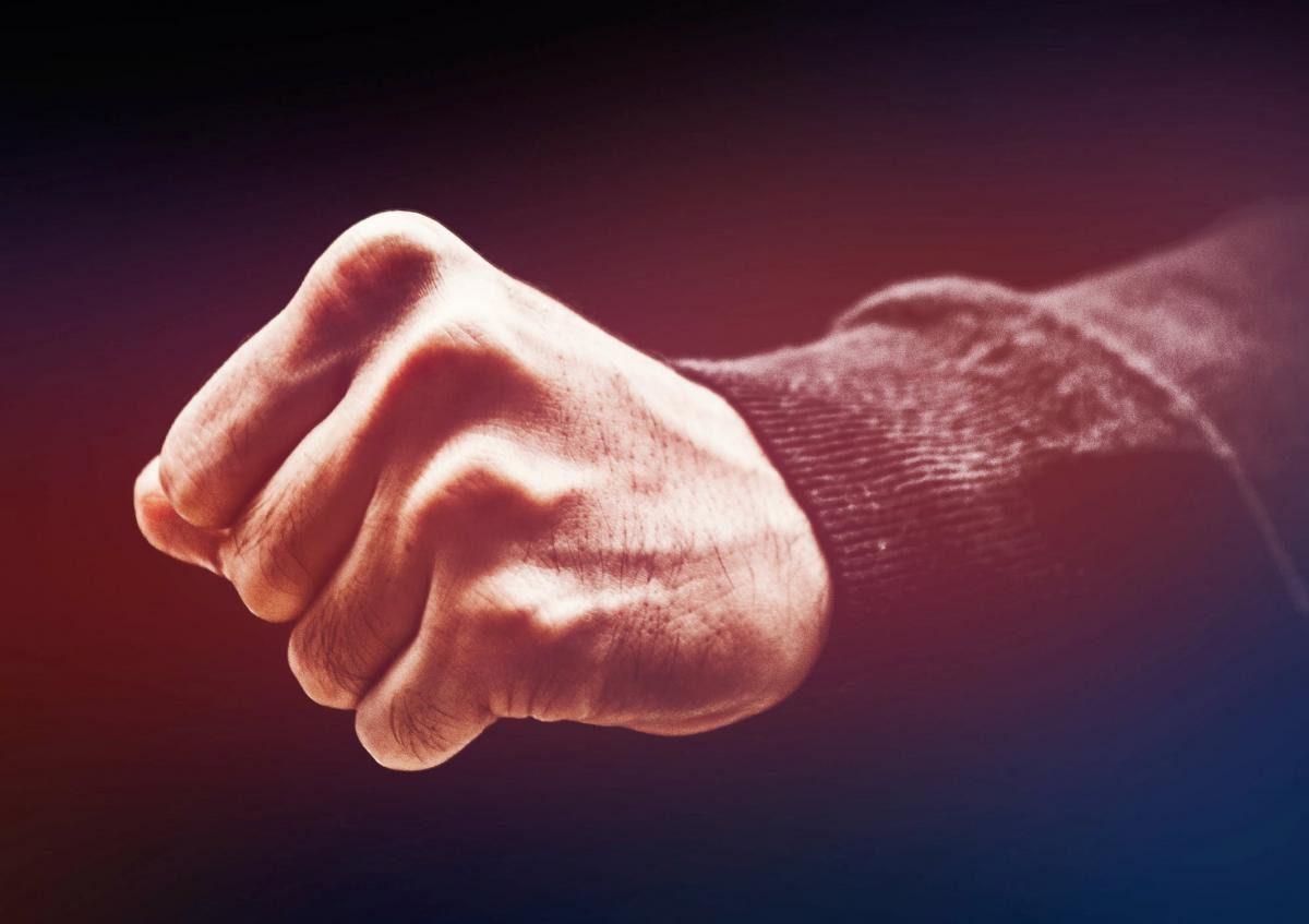 Бійка у Мукачеві: чоловік розсік голову знайомому